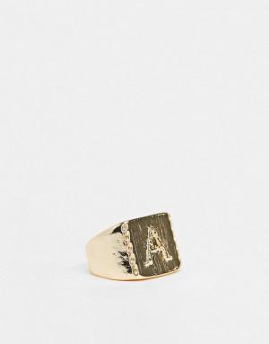 Глянцевое кольцо-печатка с буквой