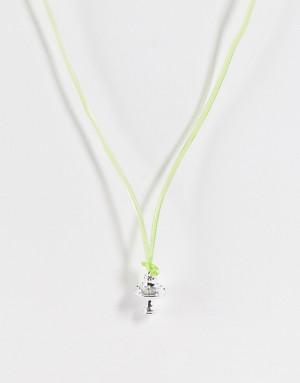 Ожерелье из гибкого пластика ярко-зеленого цвета с серебристой подвеской в виде гриба ASOS DESIGN-Серебряный